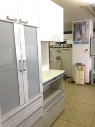 ショールーム展示のキッチン収納