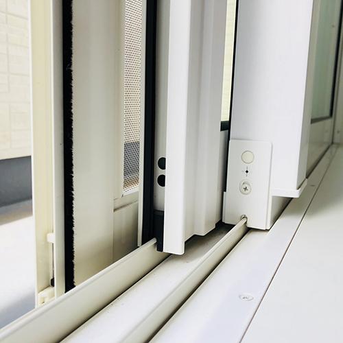 窓サッシ ペアガラスの画像